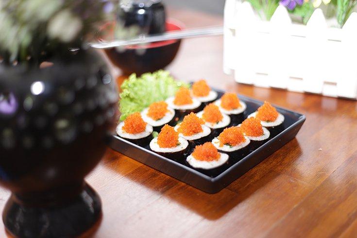 gimbab trứng cá hồi